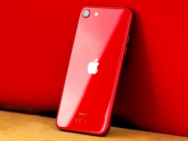 Битва iPhone: Xr против SE 2020