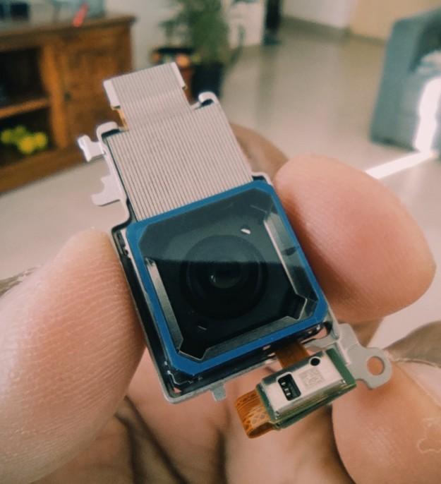 Vivo положила камеру X50 Pro в приглашение на анонс девайса в Индии