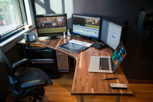 Какой письменный стол лучше всего подойдет для кабинета?
