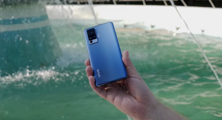 ВИДЕО: сравнение Vivo X50 Pro и OnePlus 8 Pro или чьи 48 Мп круче