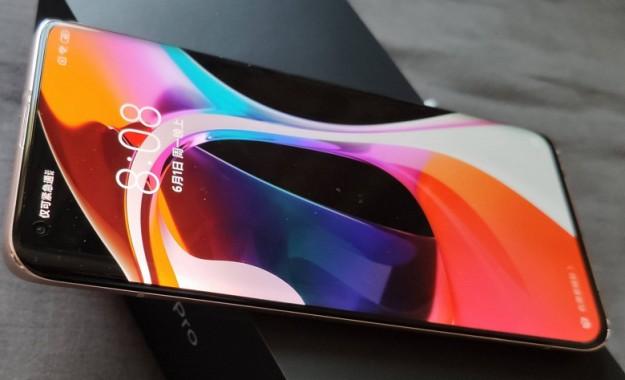 Так вот чем шокирует Xiaomi Mi 10 Ultra. Смартфон получит подэкранную камеру