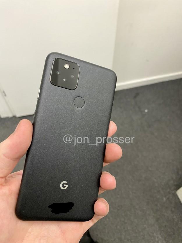 Google Pixel 5 впервые на живых фото за несколько часов до анонса