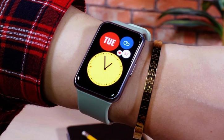 Предзаказы часов Huawei Watch Fit в России бьют рекорды