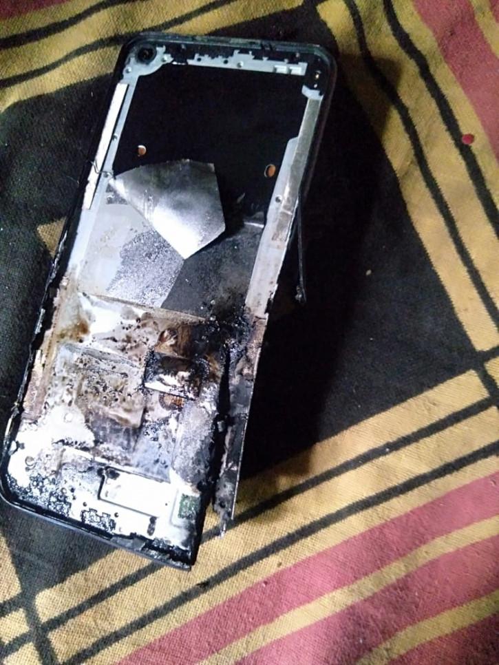 Realme 6 взорвался спустя 5 месяцев после покупки (фото)