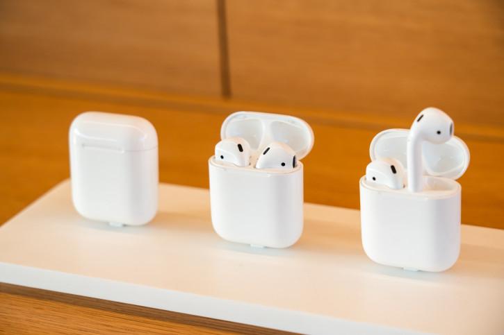Apple AirPods и AirPods Pro: сроки выхода и «безногий» дизайн