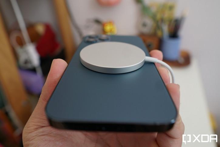 Емкость батареи всех версий iPhone 12 подтверждена официально