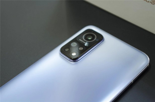 За первую минуту продано более 100 000 смартфонов Redmi K30S Extreme Commemorative Edition