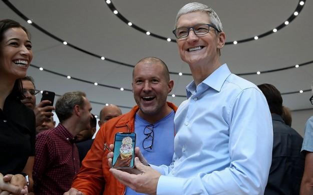 Apple и Тим Кук ответят в суде за сокрытие информации о падении спроса на iPhone