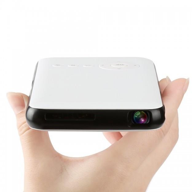 8 причин приобрести мини-проектор