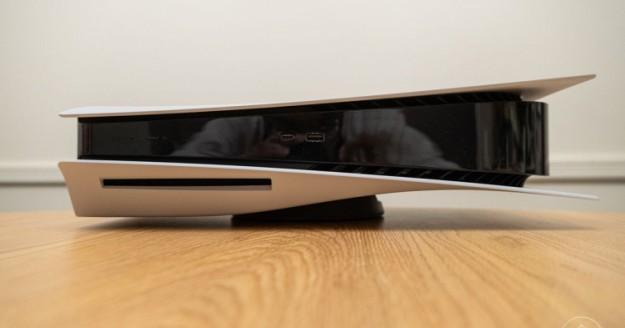 Оказалось, что устранить шум вентилятора в PlayStation 5 можно, перевернув её вверх ногами