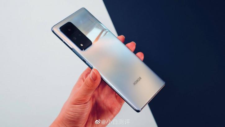 Черные дни позади! Honor договорилась с ключевыми партнерами Huawei