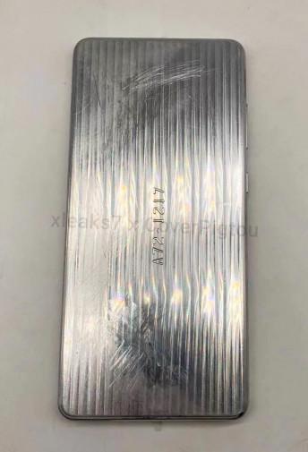Металлический макет Samsung Galaxy A72 на основе рендеров [видео]