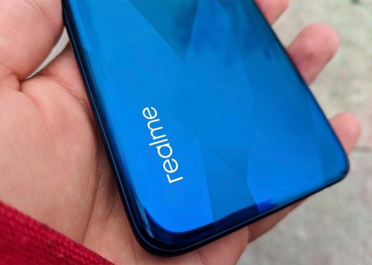 Новая модель Realme обрушит планку цен на 5G-смартфоны