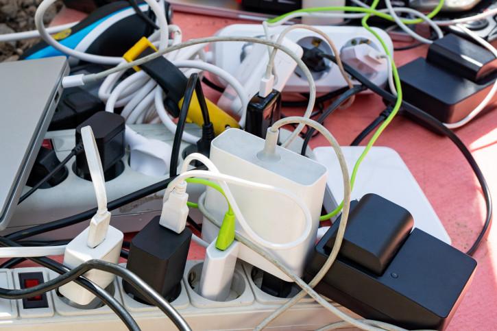 В России шестикратно взлетели продажи блоков зарядки для iPhone