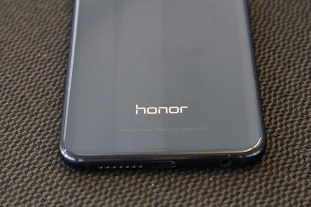 Ставки растут: Honor потеснит Samsung на рынке складных смартфонов