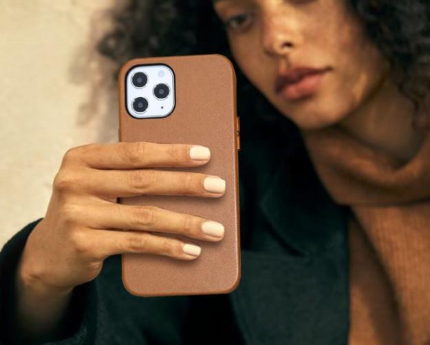 iPhone 12 теперь можно «одеть в кожу» за копейки. На Xiaomi Youpin предлагают чехол на $7,5