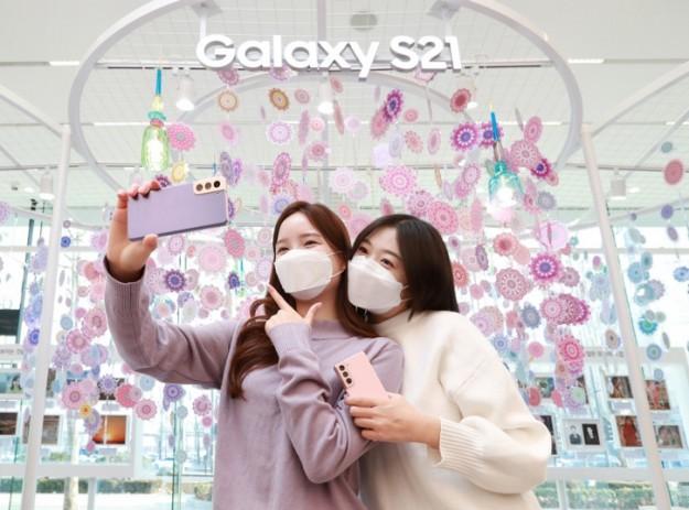 Samsung Galaxy S21 Ultra - не самый популярный из трио: итоги релиза