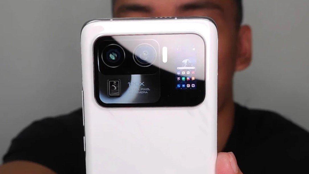 Xiaomi MI 11 Ultra : Экран в блоке камер