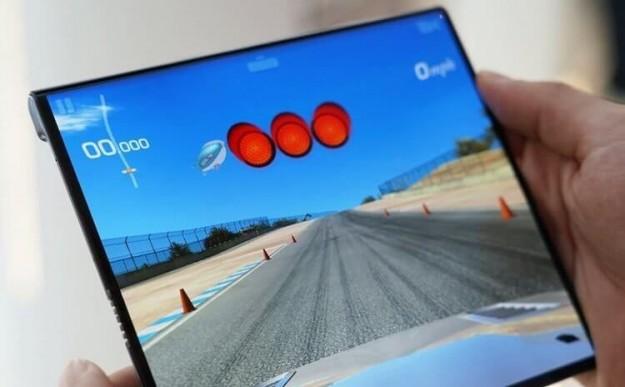 Большой, красивый и рекордно дорогой: у Huawei вышел новый складной телефон из серии Mate X