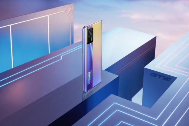 Realme продолжает раскрывать детали по игрофону GT Neo (+ новые промо)