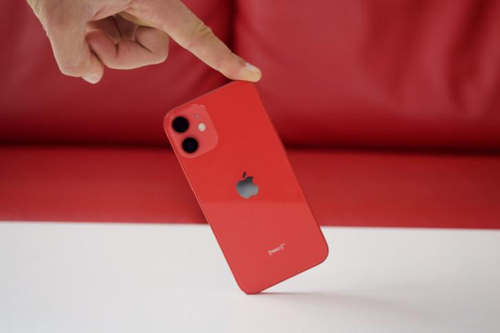 Apple продолжает урезать производство iPhone 12 mini