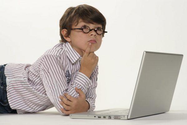 Какой ноутбук выбрать для школьника?