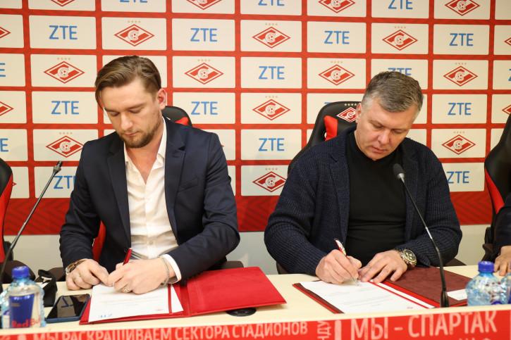 Красно-белая ZTE: футбольный клуб Спартак продолжит работу с компанией
