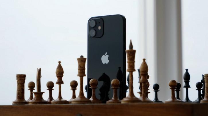 Apple заплатит Samsung штраф из-за низких продаж iPhone 12 mini