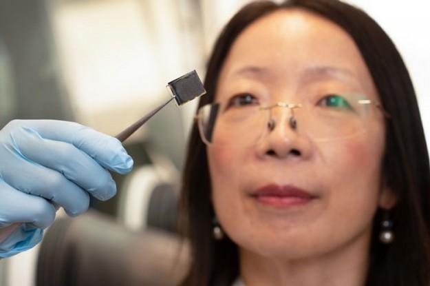 Австралийские учёные улучшили солнечные панели из перовскита с помощью сожженных человеческих волос