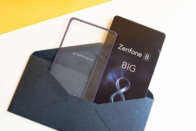 ASUS намекнула на анонс компактного Zenfone 8 в приглашении на презентацию 12 мая