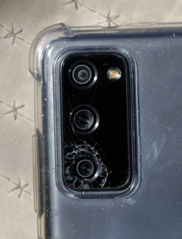 Samsung будут судить за самоуничтожающиеся стёкла камер Galaxy S20