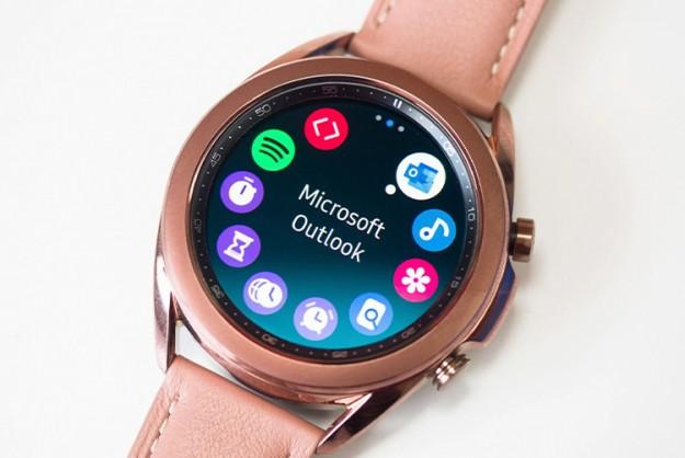 Следующие умные часы Samsung Galaxy Watch перейдут на Google Wear OS