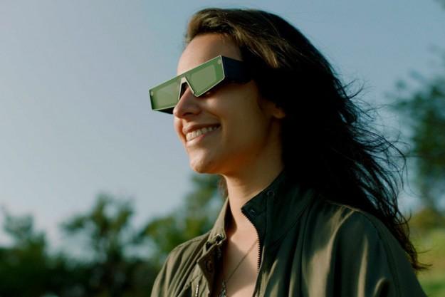 Snap анонсировала свои первые умные очки Spectacles с поддержкой дополненной реальности