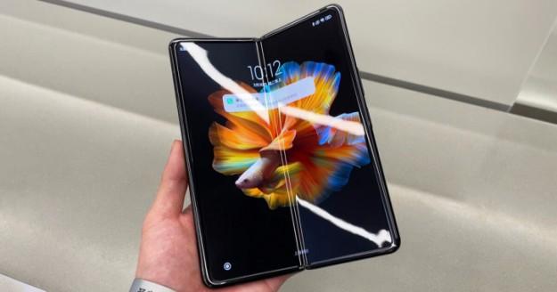Xiaomi готовит Mi Mix Fold 2 на конец года: ключевые подробности