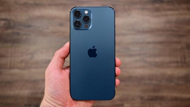 Какой iPhone лучше купить в 2021?