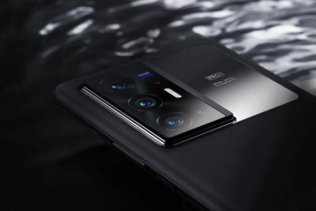 Vivo представила X70 Pro+ — флагман с мощными камерами, продвинутым дисплеем