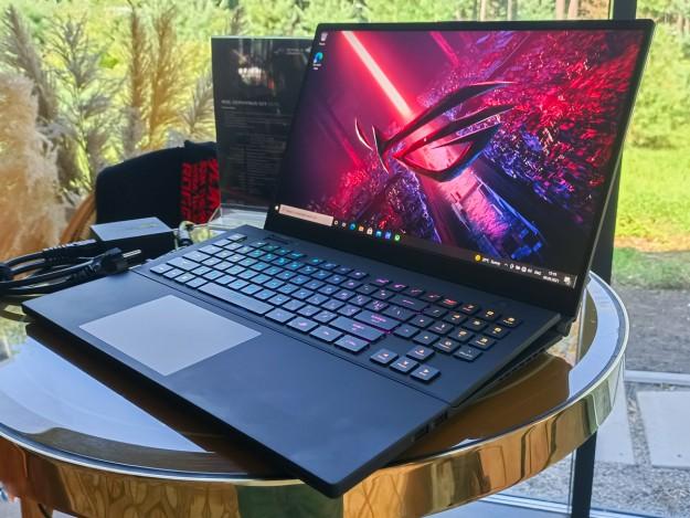 Игровой ноутбук премиум-класса ROG Zephyrus S17 представлен в Украине