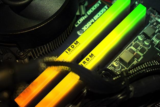 Представлены IRDM RGB DDR4 - модули памяти со светодиодной подсветкой